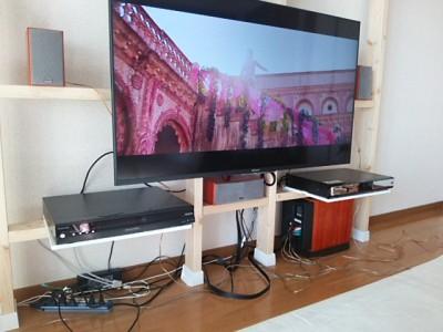 DSC 0138 400x300 大型液晶テレビを壁掛けにDIY アイテムはWAKAI ディアウォール その1