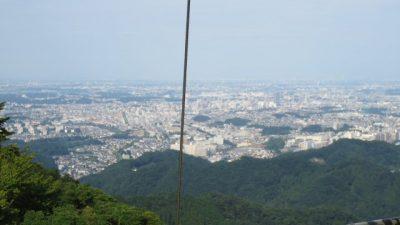 0823 19 400x225 小仏峠から高尾山ルート そしてビアガーデン 真夏の初級者登山レポート