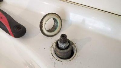 DSC 0026 400x225 美容院のシャンプーボール部品・水栓(スピンドル)を交換DIY