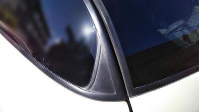 0419 03 400x225 車の劣化したゴム製の窓枠をメンテナンス アコードワゴン(CH9)