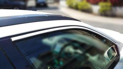 DSC 0131 400x225 車の劣化したゴム製の窓枠をメンテナンス アコードワゴン(CH9)