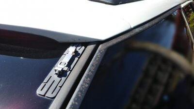 DSC 0137 400x225 車の劣化したゴム製の窓枠をメンテナンス アコードワゴン(CH9)
