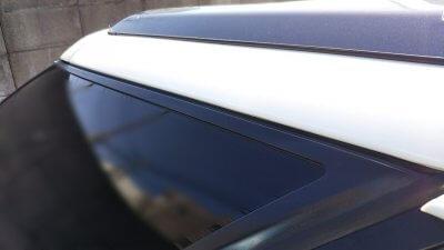 DSC 0148 400x225 車の劣化したゴム製の窓枠をメンテナンス アコードワゴン(CH9)
