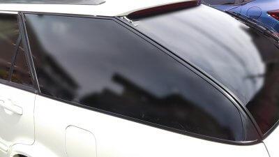 DSC 0229 400x225 車の劣化したゴム製の窓枠をメンテナンス アコードワゴン(CH9)