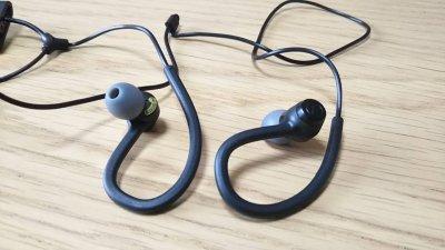 DSC 0244 1 400x225 Audio Technica(オーディオテクニカ) 【ATH SPORT10 BK】耳掛け式 カナル型イヤホン