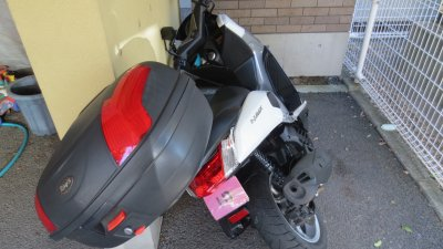 IMG 0814 400x225 YAMAHA NMAX125 写真撮影中に駐輪場でコケた その代償はいかがなものか