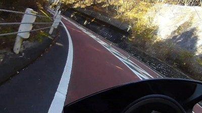 1117 14 400x225 奥多摩 紅葉ツーリング スクーター(NMAX125)で奥多摩周遊道路を走ってきました