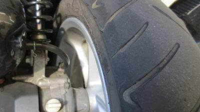 IMG 1020 400x225 NMAX125純正タイヤ ダンロップ スクートスマート(DUNLOP SCOOTSMART ) の使い切った状態は